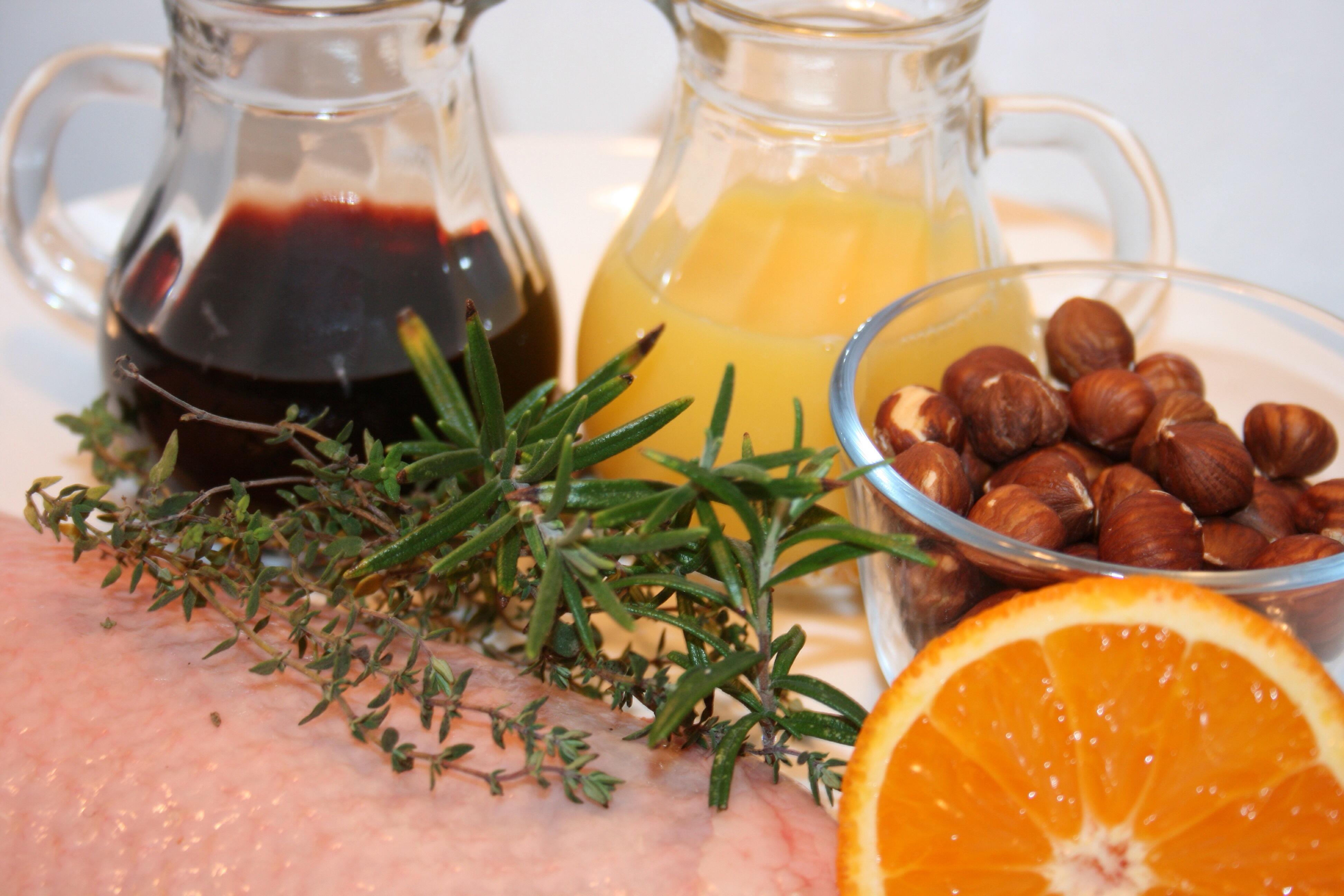 g nsebrust mit rotwein orangen sauce und haselnusssp tzle. Black Bedroom Furniture Sets. Home Design Ideas